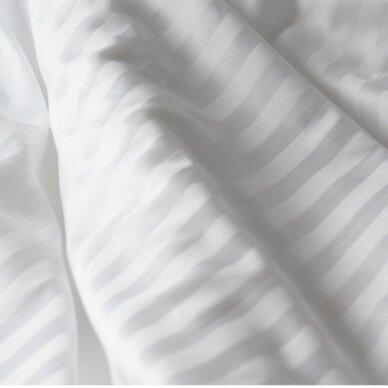 Satino paklodė su guma BALTA 2 cm juostelėmis